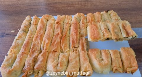 Hazır Yufkadan Ispanaklı Peynirli Börek Tarifi